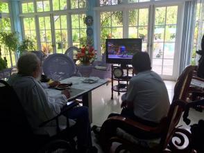 Evo Morales y Fidel Castro Ruz observando los juegos deportivos