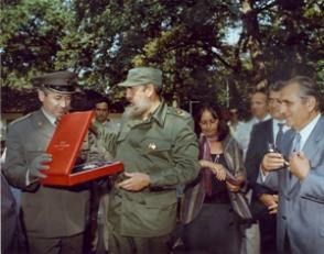 Condecorado con la Orden Gran Estrella de Yugoslavia y la Placa Dorada de la ciudad de Belgrado.