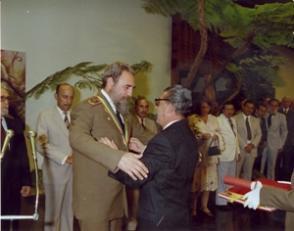 Recibe la Orden de Salud Pública en el grado máximo de Gran Oficial