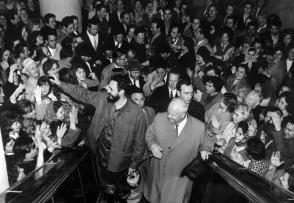 Fidel Castro y Nikita Jrushchov en la tienda por departamentos Moskva