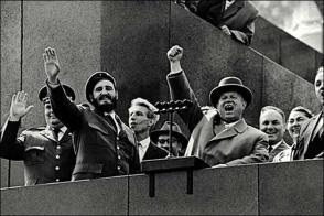 Fidel en la URSS celebrando el 1ero de Mayo