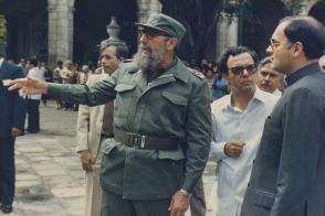 Fidel Castro junto a Rajiv Gandhi, 1985
