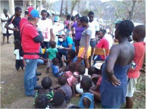 Médico cubanos atienden comunidades haitianas