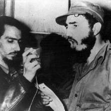 Fidel Castro convoca al pueblo a la huelga general revolucionaria.